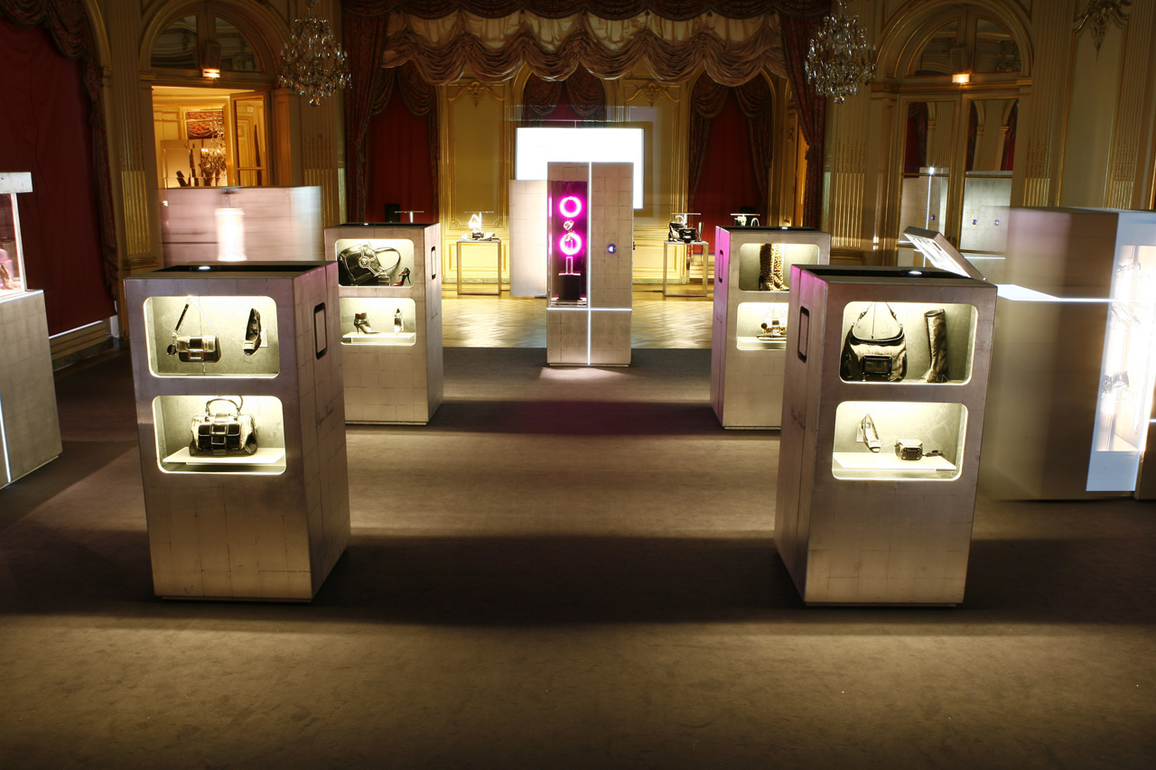 roger-vivier_magic-boxes-05